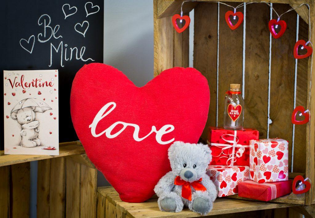Poundland Valentine S Day Gift Hamper For Him